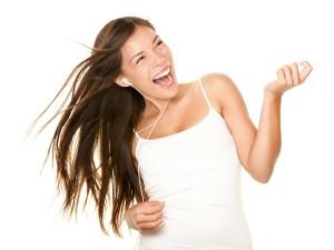 1200-153576633-woman-dancing