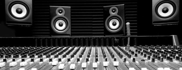 825109976_3_644x461_music-recording-studio-musical-instruments (2)